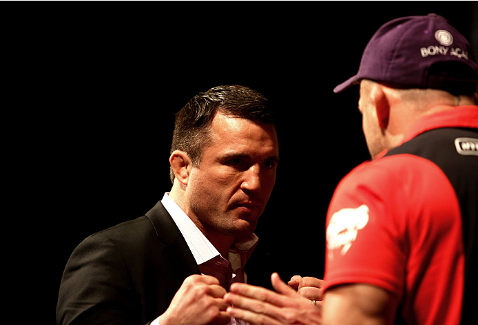 LAS VEGAS, NV - MAY 23: (L-R) Opponents Chael Sonnen and Wanderlei Silva face off during the UFC 175 & The Ultimate Fighter Finale On-Sale Press Conference at the MGM Grand Garden Arena on May 23, 2014 in Las Vegas, Nevada. (Photo by Brandon Magnus/Zuffa LLC/Zuffa LLC via Getty Images)