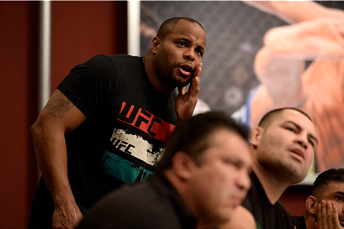 Cormier and Velasquez during TUF Latin America