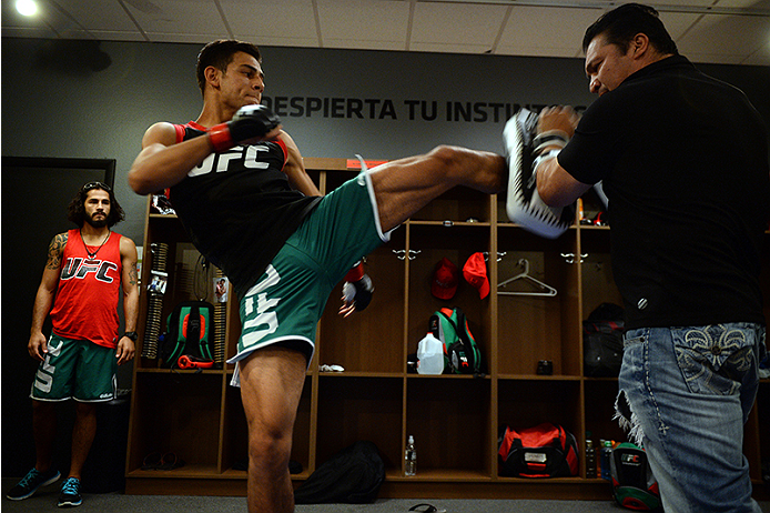 LAS VEGAS, NV - JUNE 18:  Team Velasquez fighter Yair Rodriguez warms up in the locker room before facing team Velasquez fighter Rodolfo Rubio in their semifinal fight during filming of The Ultimate Fighter Latin America on June 18, 2014 in Las Vegas, Nevada. (Photo by Al Powers/Zuffa LLC/Zuffa LLC via Getty Images) *** Local Caption ***Yair Rodriguez