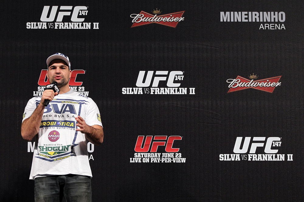 BELO HORIZONTE, BRAZIL - JUNE 22:   Mauricio &quot;Shogun&quot; Rua interacts with fans during a Q&amp;A session before the UFC 147 weigh in at Est&Atilde;&iexcl;dio Jornalista Felipe Drummond on June 22, 2012 in Belo Horizonte, Brazil.  (Photo by Josh Hedges/Zuffa LLC/Zuffa LLC via Getty Images)