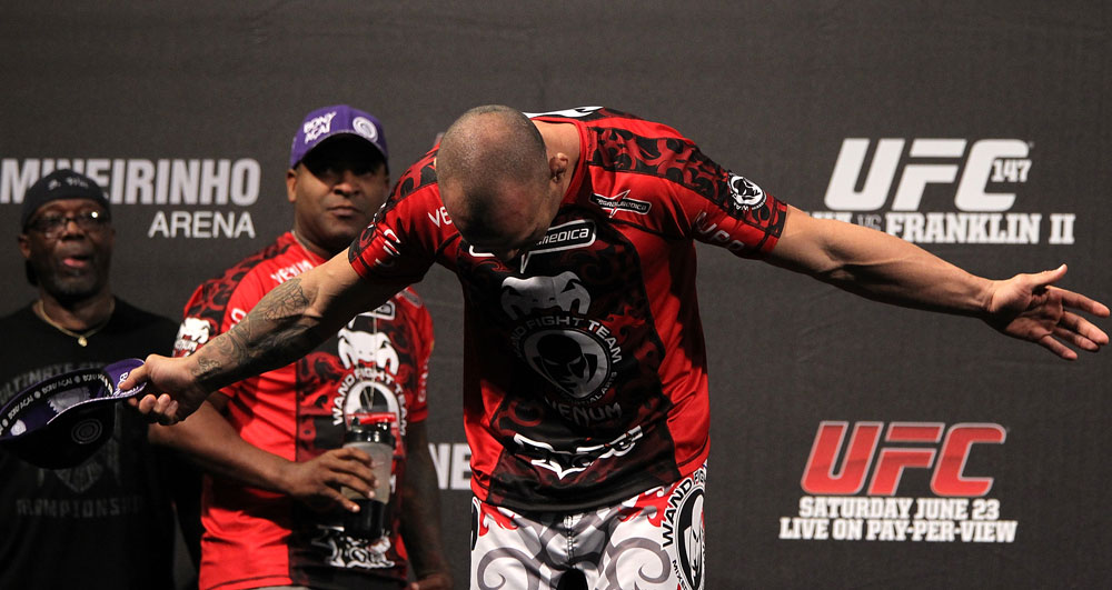 BELO HORIZONTE, BRAZIL - JUNE 22:   Wanderlei Silva salutes the crowd before weighing in during the UFC 147 weigh in at Estadio Jornalista Felipe Drummond on June 22, 2012 in Belo Horizonte, Brazil.  (Photo by Josh Hedges/Zuffa LLC/Zuffa LLC via Getty Images)