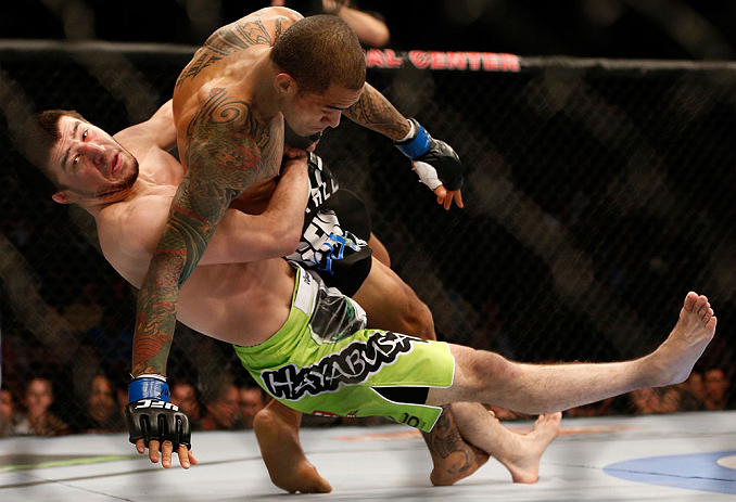 Khabilov takes down Yancy Medeiros