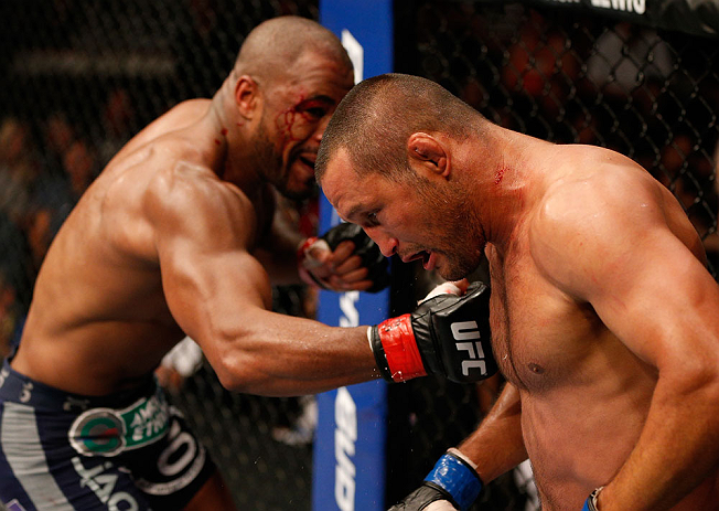 Rashad Evans stood toe-to-toe with Dan Henderson