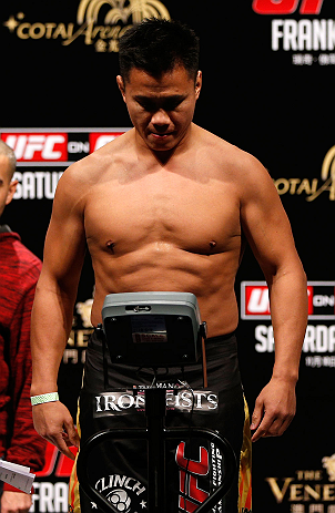MACAU, MACAU - NOVEMBER 09:  Cung Le makes weight during the UFC Macau weigh in at Cotai Arena on November 9, 2012 in Macau, Macau.  (Photo by Josh Hedges/Zuffa LLC/Zuffa LLC via Getty Images)