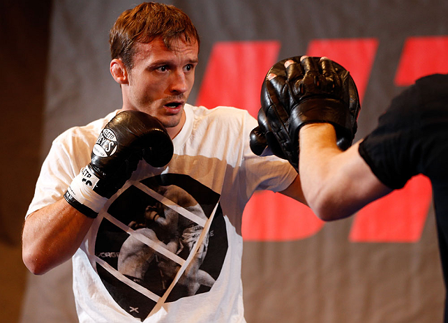 ESTOCOLMO, SUÉCIA - 3/4/2013: Brad Pickett da Inglaterra nos treinos abertos no Grand Hotel. (Foto de Josh Hedges/Zuffa LLC/Zuffa LLC via Getty Images)