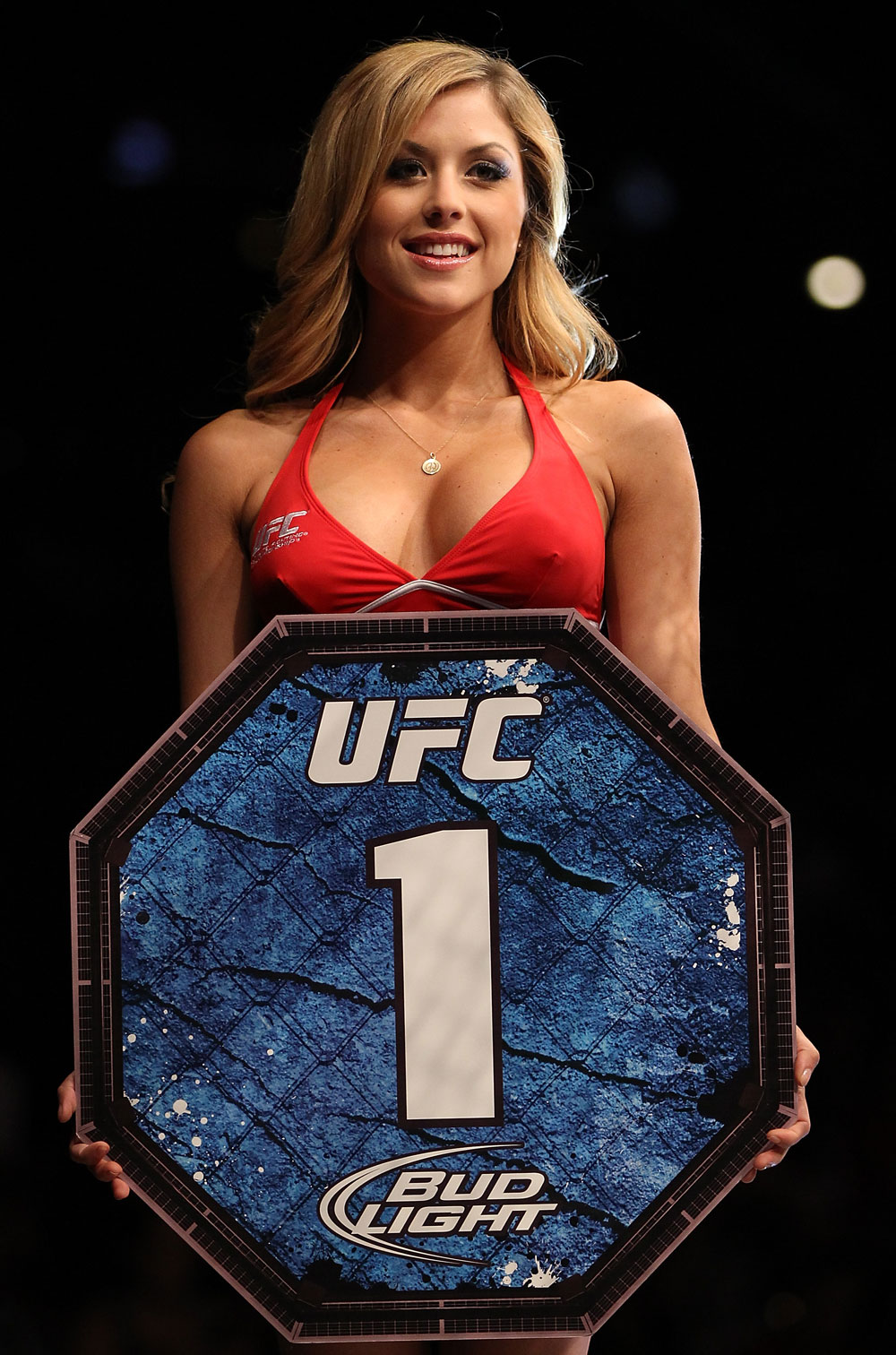 http://media.ufc.tv/photo_galleries/UFConFX_Johnson_v_McCall/13_UFConFX_02.jpg