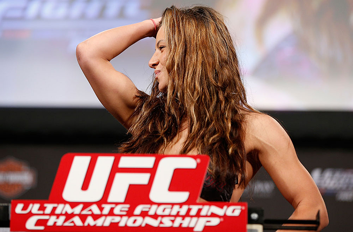 LAS VEGAS, NV - Miesha Tate na pesagem do TUF 17 Finale no Hollywood Theatre (MGM Grand Hotel/Casino) no dia 12/4, 2013 em Las Vegas, Nevada. (Foto de Josh Hedges/Zuffa LLC/Zuffa LLC via Getty Images)