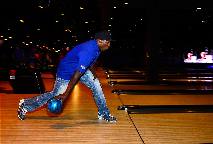 LAS VEGAS, NV - JULY 2: Phil Davis bowls with fans during the UFC International Fight Week charity bowling event at Brooklyn Bowl Las Vegas at The LINQ on July 2, 2014 in Las Vegas, Nevada. (Photo by Brandon Magnus/Zuffa LLC/Zuffa LLC via Getty Images)