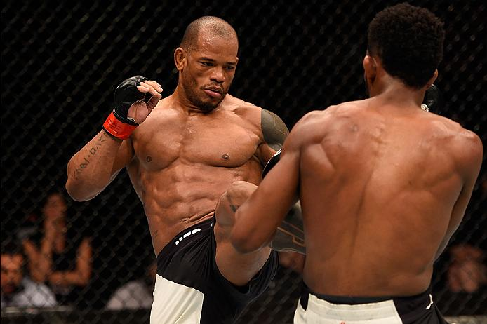 Hector Lombard kicks Neil Magny at Fight Night Brisbane
