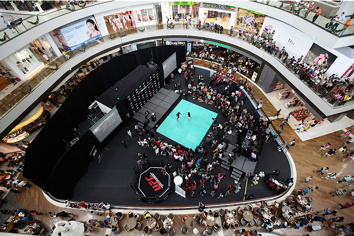 SINGAPORE - JANUARY 01:  A general view of the UFC Fight Night Singapore Open Workouts at the Skating Rink at The Shoppes at Marina Bay Sand on January 1, 2014 in Singapore.  (Photo by Suhaimi Abdullah/Zuffa LLC via Getty Images)