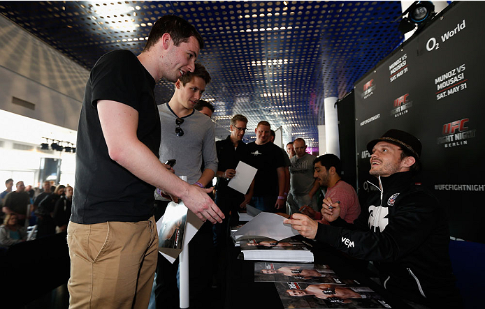 BERLIN, GERMANY - MAY 30: Brad Pickett signs autographs after the UFC weigh-in at O2 World on May 30, 2014 in Berlin, Germany.  (Photo by Boris Streubel/Zuffa LLC/Zuffa LLC via Getty Images)