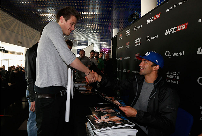 BERLIN, GERMANY - MAY 30:  Luke Rockhold signs autographs after the UFC weigh-in at O2 World on May 30, 2014 in Berlin, Germany.  (Photo by Boris Streubel/Zuffa LLC/Zuffa LLC via Getty Images)