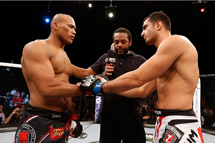 MASHANTUCKET, CT - SEPTEMBER 05:  (L-R) Renaldo 'Jacare' Souza and Gegard Mousasi touch gloves before their middleweight bout during the UFC Fight Night event at Foxwoods Resort Casino on September 5, 2014 in Mashantucket, Connecticut.  (Photo by Josh Hedges/Zuffa LLC/Zuffa LLC via Getty Images)