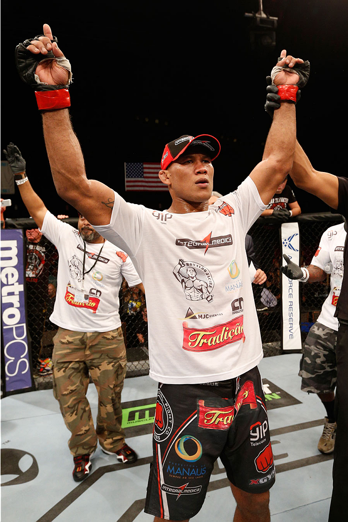 MASHANTUCKET, CT - SEPTEMBER 05:  Ronaldo 'Jacare' Souza celebrates after defeating Gegard Mousasi in their middleweight bout during the UFC Fight Night event at Foxwoods Resort Casino on September 5, 2014 in Mashantucket, Connecticut.  (Photo by Josh Hedges/Zuffa LLC/Zuffa LLC via Getty Images)