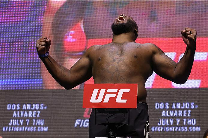 LAS VEGAS, NV - JULY 06: Derrick Lewis steps on the scale during the UFC Fight Night Weigh-in event at the T-Mobile Arena on July 6, 2016 in Las Vegas, Nevada. (Photo by Ed Mulholland/Zuffa LLC/Zuffa LLC via Getty Images)