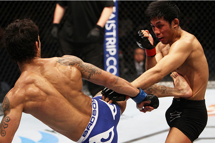 MACAU - MARCH 01:  Vaughan Lee kicks Nam Phan in their bantamweight fight during the UFC Fight Night event at the Venetian Macau on March 1, 2014 in Macau. (Photo by Mitch Viquez/Zuffa LLC/Zuffa LLC via Getty Images)