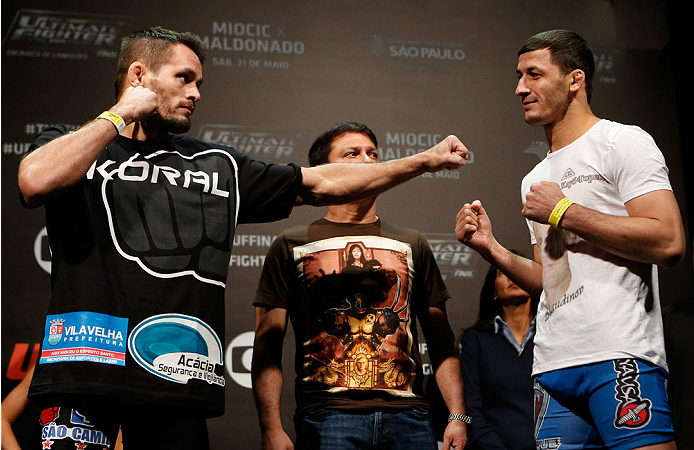 SAO PAULO, BRAZIL - MAY 30:  (L-R) Opponents Rodrigo Damm and Rashid Magomedov face off during the UFC Fight Night weigh-in at the Ginasio do Ibirapuera on May 30, 2014 in Sao Paulo, Brazil.  (Photo by Josh Hedges/Zuffa LLC/Zuffa LLC via Getty Images)