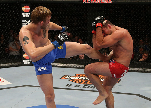 SEATTLE, WA - DECEMBER 08:  (L-R) Alexander Gustafsson kicks Mauricio Rua during their light heavyweight bout at the UFC on FOX event on December 8, 2012  at Key Arena in Seattle, Washington.  (Photo by Ezra Shaw/Zuffa LLC/Zuffa LLC via Getty Images) *** Local Caption *** Mauricio Rua; Alexander Gustafsson