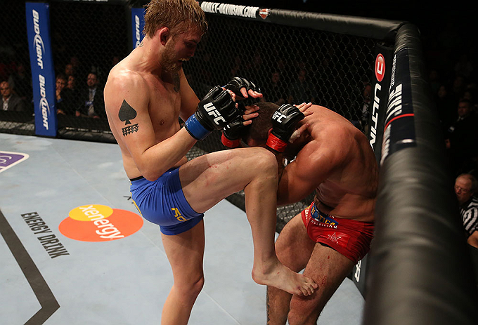 SEATTLE, WA - DECEMBER 08:  (L-R) Alexander Gustafsson knees Mauricio Rua during their light heavyweight bout at the UFC on FOX event on December 8, 2012  at Key Arena in Seattle, Washington.  (Photo by Ezra Shaw/Zuffa LLC/Zuffa LLC via Getty Images) *** Local Caption *** Mauricio Rua; Alexander Gustafsson