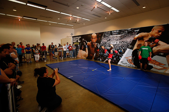 SEATTLE, WA - JULY 24: Robbie Lawler conducts an open training session for fans and media at the Seattle Center Pavilion on July 24, 2013 in Seattle, Washington. (Photo by Josh Hedges/Zuffa LLC/Zuffa LLC via Getty Images)