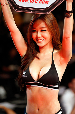 MACAU, MACAU - NOVEMBER 10: UFC Octagon Girl Ye-Bin Kang introduces a round at the UFC Macao event inside CotaiArena on November 10, 2012 in Macau, Macau. (Photo by Josh Hedges/Zuffa LLC/Zuffa LLC via Getty Images)