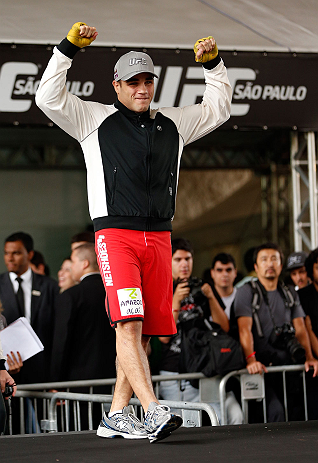 SAO PAULO, BRAZIL - JANUARY 16:  Daniel Sarafian participates in an open workout session for media and fans on January 16, 2013 at Parque Anhangabau in Sao Paulo, Brazil. (Photo by Josh Hedges/Zuffa LLC/Zuffa LLC via Getty Images)