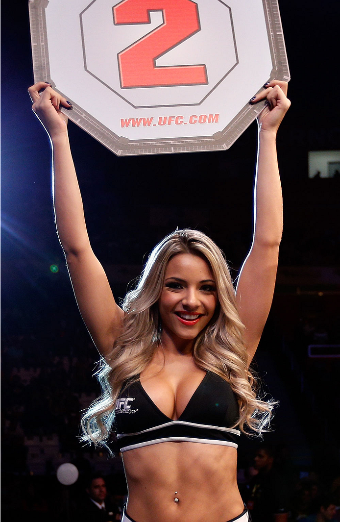 SAO PAULO, BRAZIL - MAY 31: UFC Octagon Girl Fernanda Hernandes introduces a round during the UFC Fight Night event at the Ginasio do Ibirapuera on May 31, 2014 in Sao Paulo, Brazil. (Photo by Josh Hedges/Zuffa LLC/Zuffa LLC via Getty Images)