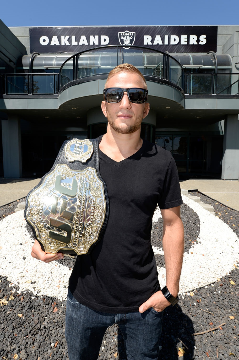 Dillashaw Visits Raiders Headquarters On Road To Ufc 177 Ultimate
