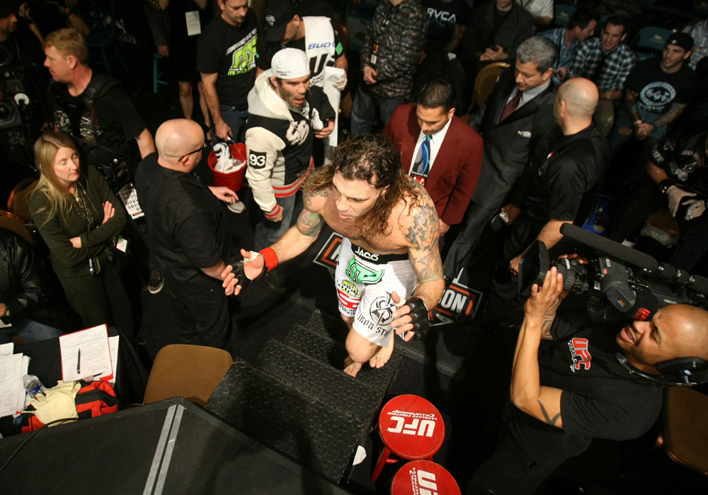 UFC 125: Clay Guida enters the ring.