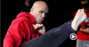 Ultimate Insider follows welterweight contender Robbie Lawler as he prepares to fight for the vacant title at UFC 171 against Johny Hendricks.