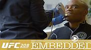 Anderson Silva gets fitted for a mouthpiece. Holly Holm and Germaine de Randamie arrive in Brooklyn and acclimate to the city. Derek Brunson stays focused in a busy workout room, while Silva shares style and psychology tips with Glover Teixeira.